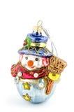 Muñeco de nieve hecho a mano de la decoración del árbol de navidad aislado en blanco Foto de archivo