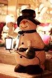Muñeco de nieve - luz decorativa de la calle Fotografía de archivo