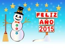 Muñeco de nieve que lleva a cabo un poste indicador feliz del año 2015 escrito en español Fotografía de archivo
