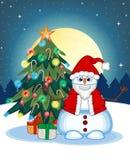 Muñeco de nieve que lleva a Santa Claus Costume Waving His Hand con el árbol de navidad y la Luna Llena en el fondo de la noche p libre illustration