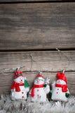 Muñecos de nieve blancos de la malla y del juguete Fotos de archivo