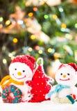 Muñecos de nieve hechos punto Imagen de archivo