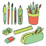 Muśnięć, ołówków, piór, władcy, ostrzarki i gumki ikony, Obraz Stock