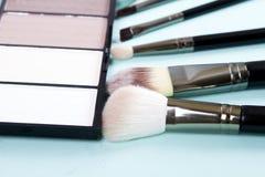 muśnięć odosobnionego makeup ustalony biel Zdjęcie Stock