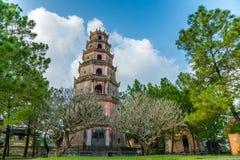 mu-pagodaen thien vietnam Royaltyfria Bilder