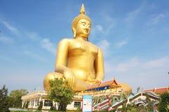 Muang dorato del wat di Buddha, cinghia Tailandia del ANG Fotografia Stock Libera da Diritti