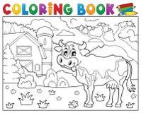 Mucca del libro da colorare vicino al tema 2 dell'azienda agricola Fotografia Stock Libera da Diritti