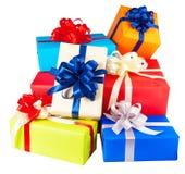 Mucchi dei contenitori di regalo avvolti in variopinto Fotografia Stock Libera da Diritti