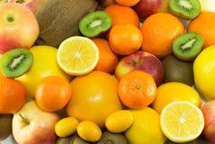 Mucchi dei frutti freschi e organici Fotografia Stock