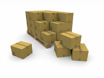 Mucchi delle scatole di cartone su un pallet Fotografia Stock
