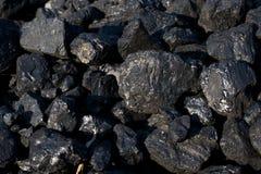 Mucchi di carbone fotografie stock