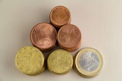 Mucchi di euro monete Immagini Stock Libere da Diritti