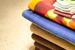 Mucchio degli asciugamani piegati Fotografie Stock Libere da Diritti