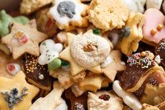 Mucchio dei biscotti casalinghi di Natale Fotografia Stock