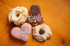 Mucchio dei biscotti casalinghi di Natale Immagine Stock