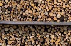 Mucchio dei ceppi di legno Immagine Stock