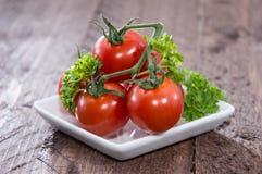 Mucchio dei pomodori su una zolla Fotografia Stock Libera da Diritti