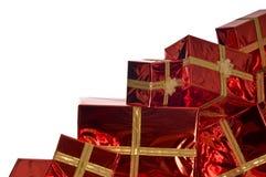 Mucchio dei regali di Natale su priorità bassa bianca Fotografia Stock