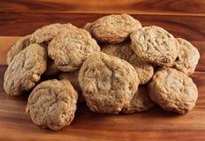Mucchio del biscotto di pepita di cioccolato fotografia stock libera da diritti