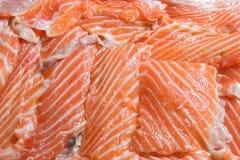 Mucchio del raccordo di color salmone affettato fresco Immagine Stock Libera da Diritti