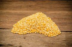 mucchio del seme secco del cereale sulla borsa del sacco Fotografia Stock