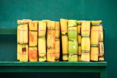 Mucchio della canna da zucchero fresca del taglio fotografie stock libere da diritti