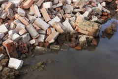 Mucchio della costruzione di mattone rovinata dopo la demolizione Fotografia Stock Libera da Diritti