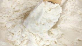 Mucchio della farina di frumento video d archivio