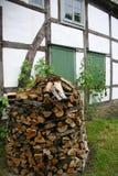 Mucchio della legna da ardere Fotografia Stock