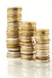 Mucchio della moneta sopra bianco Fotografie Stock Libere da Diritti