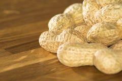 Mucchio delle arachidi non aperte fotografia stock libera da diritti