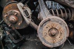 Mucchio delle componenti del motore anziane fotografia stock libera da diritti