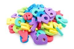 Mucchio delle lettere variopinte della gomma piuma Fotografia Stock Libera da Diritti