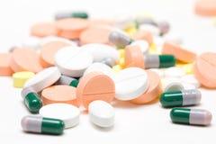 Mucchio delle pillole della medicina Immagine Stock