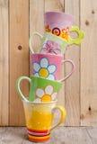 Mucchio delle tazze ceramiche Immagine Stock