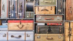 Mucchio delle valigie d'annata Fotografia Stock Libera da Diritti