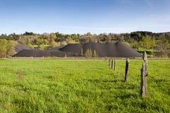 Mucchio di carbone nell'area estraente della valle di Fenar Immagini Stock