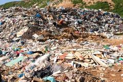 Mucchio di immondizia domestica in materiale di riporto Immagini Stock Libere da Diritti