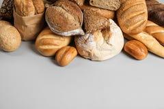 Mucchio di pane saporito fresco fotografia stock libera da diritti