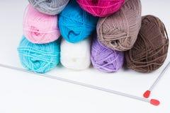 Mucchio di tricottare lana Fotografie Stock Libere da Diritti