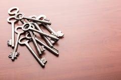 Mucchio di vecchie chiavi Immagini Stock Libere da Diritti