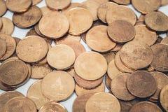 Mucchio di vecchie monete bronzee Immagini Stock