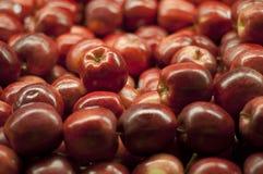 Mucchio rosso del Apple al supermercato Fotografia Stock Libera da Diritti