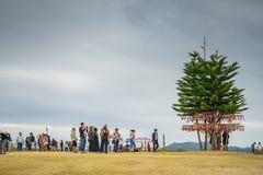 Mucha gente que se sienta en el punto de vista de YUN LAI Imágenes de archivo libres de regalías
