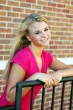 Muchacha adolescente bastante rubia Foto de archivo libre de regalías