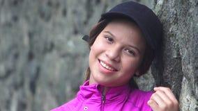 Muchacha adolescente bastante sonriente Imagen de archivo libre de regalías