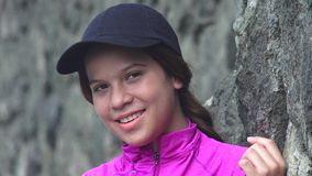 Muchacha adolescente bastante sonriente Imágenes de archivo libres de regalías