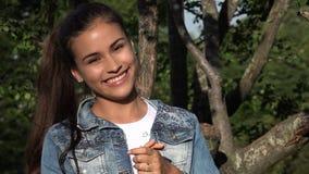 Muchacha adolescente bonita y emocionada Foto de archivo libre de regalías