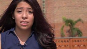 Muchacha adolescente chocada o confundida Imágenes de archivo libres de regalías