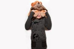 Muchacha adolescente con el oso del juguete Imágenes de archivo libres de regalías
